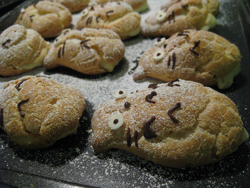 Totoro cream puffs by Patricia, Created/posted on 4/9/2009