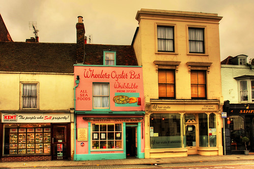 Oyster shop Whitstable, under Creative Commons from fast eddie 42s Flickr photostream. Click pic for link.