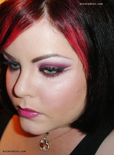 Blended Eyeshadow with Medical Tape Tutorial