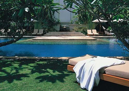 The Dharmawangsa Hotel Pool by bloompy