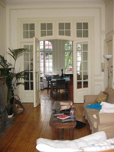 Brussels livingroom with double doors