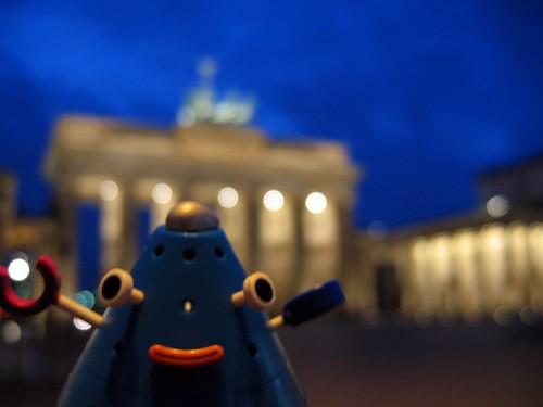 Pontiki at the Brandenburg Gate.