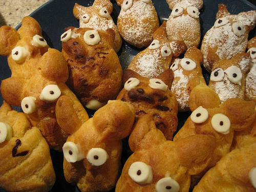 Totoro cream puffs by miller, Uploaded/posted on 4/11/2009