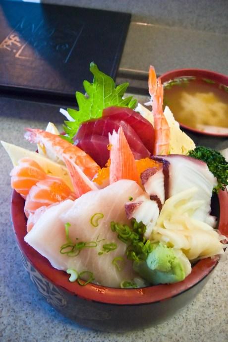 Chirashi Sushi / 散壽司 (by Phanix)