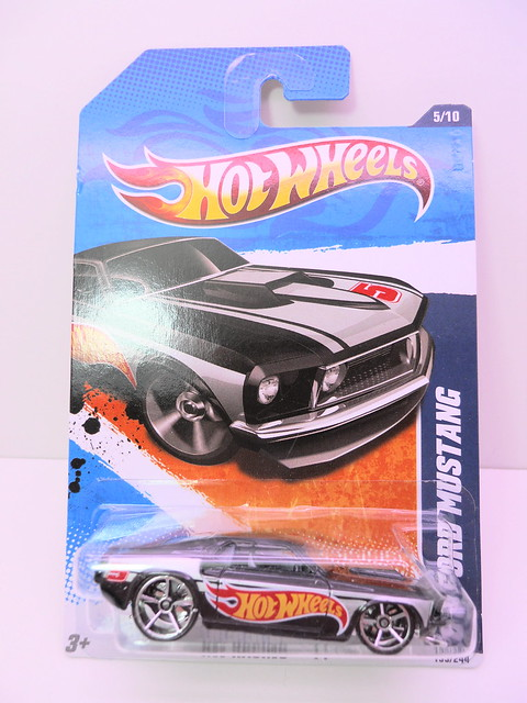 hot wheels '68 ford mustang blk (1)