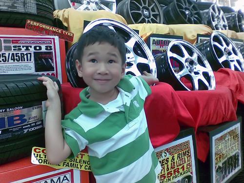 Samuel at Autobacs