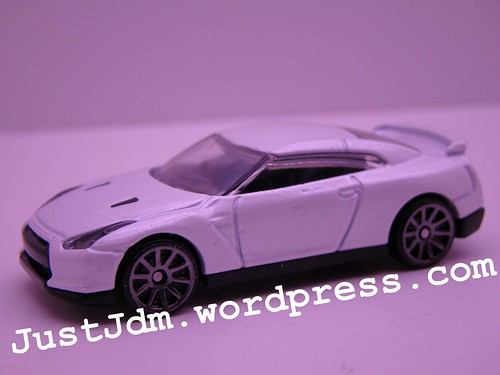 HWs 2009 Nissan GTR (2)