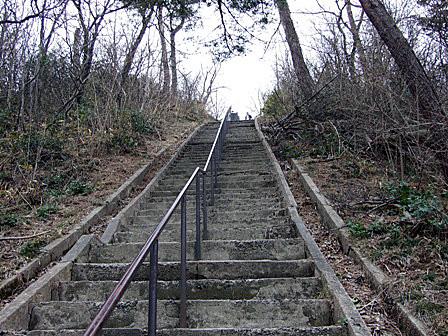 奥の院への階段~瀬波温泉