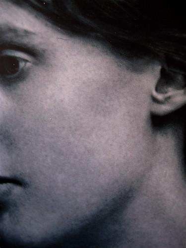 Virginia Woolf, Diario di una scrittrice, Minimum Fax 2009, Riccardo Falcinelli, progetto grafico di cop., ill. fotog. di cop.: © Hulton - Deutsch / Corbis / Contrasto, (part), 1