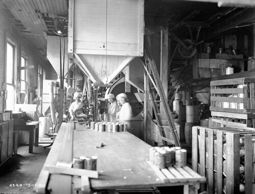 Women working at  Crescent Manufacturing Company, 1920