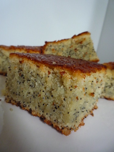 Lemon and Poppy Seed Cake