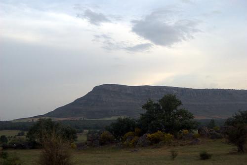 El Pico Frentes dominando la zona