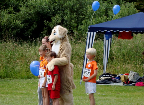 KIKA mascot and kids