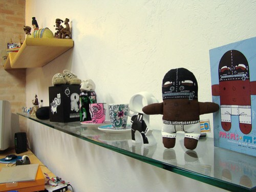Mini-mi sexcravo no estúdio do ilustrador Montalvo Machado (foto pelo próprio)