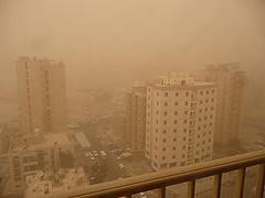 280px-Sand_storm_in_Salmiya%2C_Kuwait