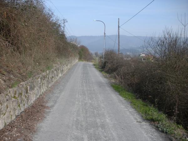 Foto 1 - Carreterilla de inicio de la ruta