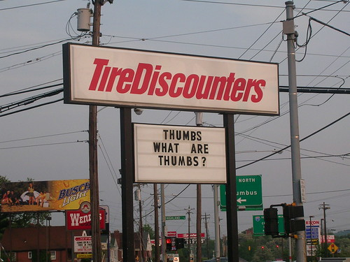 Tire Discounters Sign
