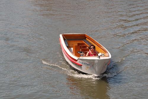 toeristenbootje zonder toeristen