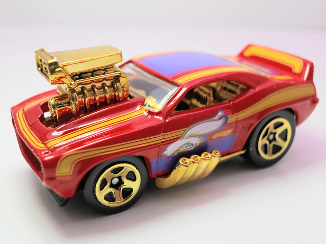 hot wheels easter eggsclusive '68 camaro z28 (2)