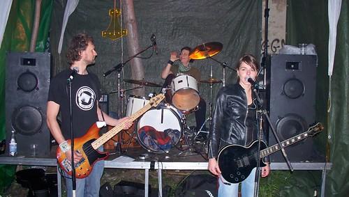 Goldner Anker auf der Mini-Bühne im Lustgarten.