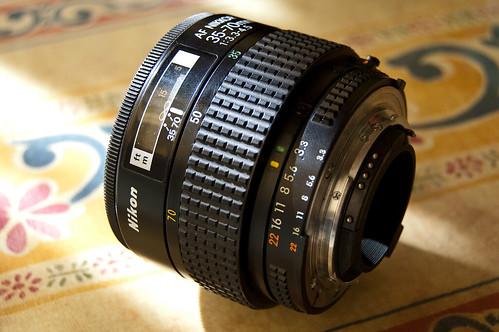 AF Zoom Nikkor 35-70mm f/3.3~4.5S MACRO MK I (II)