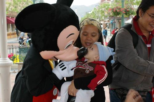 HK Disneyland Aryan & Mickey