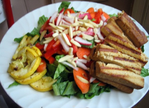 salad with grilled squash and tofu