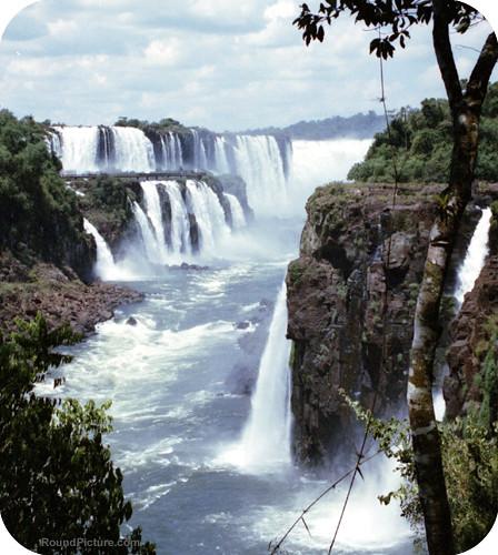 Argentina - Iguazu Falls - La Garganta del Diablo from Circuito Inferior