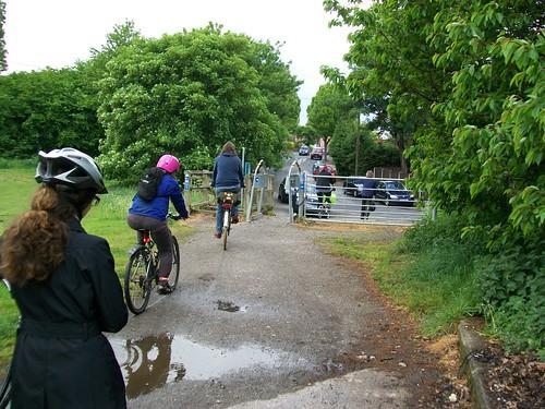 Anti-cycling gate