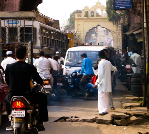 Tráfico y procesión.