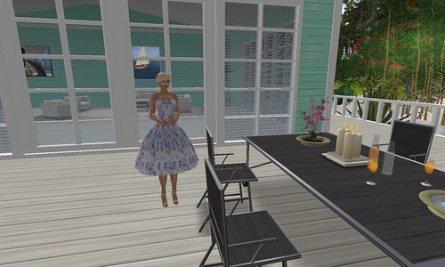 Saffia in Jensine at the beach cottage on Matanzas