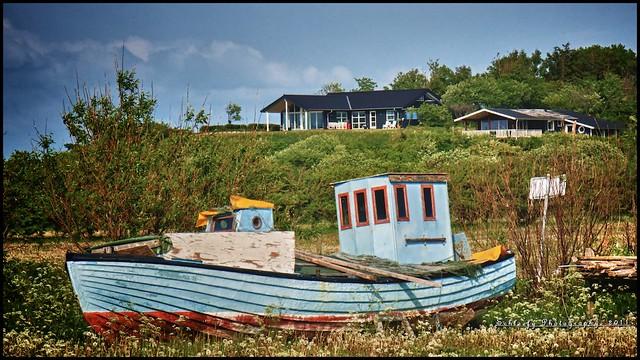 #143/365 Old Boat