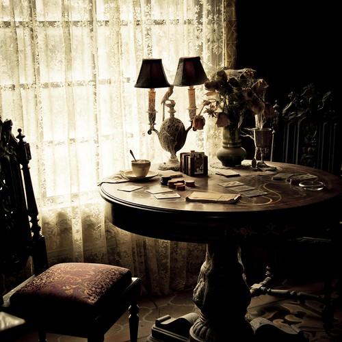 Dark Disney : Ghost Poker (Disneyland Paris) - photo : Gilderic