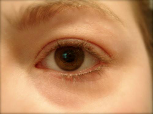 nekkid eyeball!