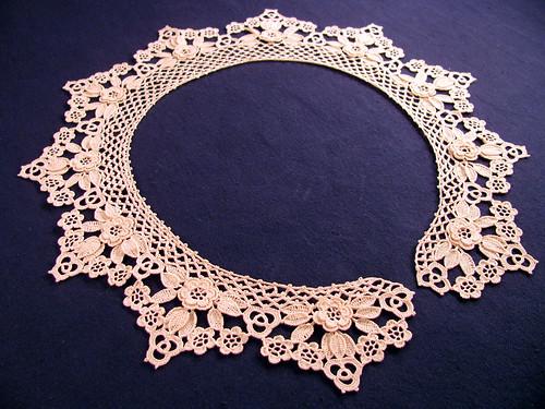 Ecru-Collar
