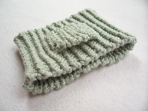 iPod armband, another take (Ive knit Runners Companion before)!
