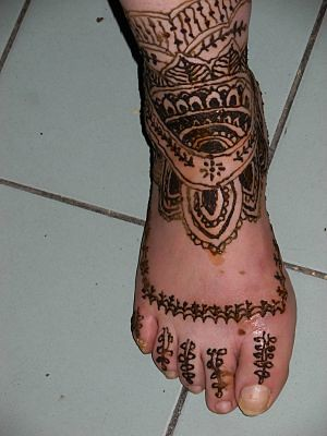 Henna tattoo-foot and ankle design by april-mo