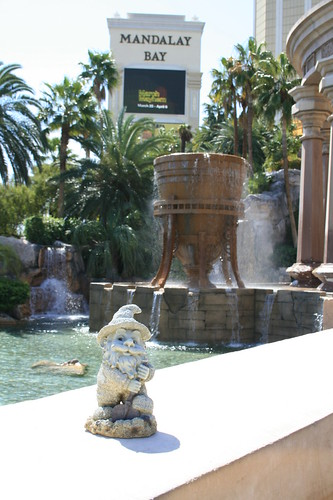 Mandalay Bay Sign And Water Feature