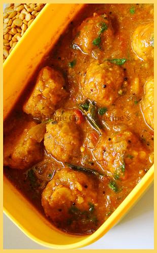 Paruppu Urundai Kuzhambhu1