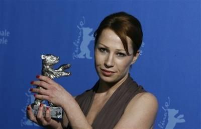 brigit-minichmayr-premio-a-la-mejor-actriz-en-el-festival-de-berlin-por-alle-anderen por ti.