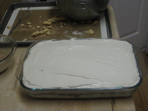 2 layers of lady fingers and 2 layers of cream mixture