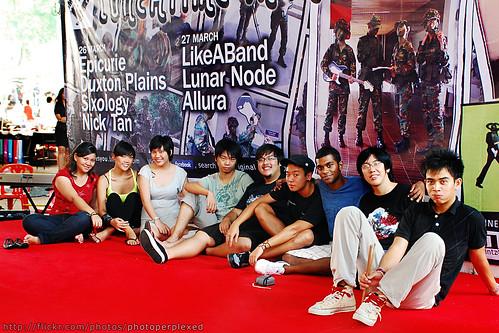 20090327_nus_5088_oms_crew_large
