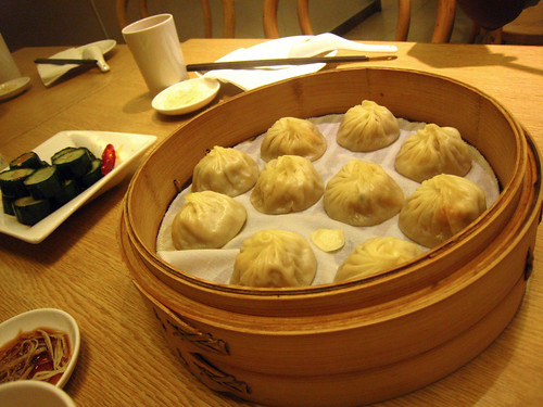taiwan - dumplings at Din Tai Fong