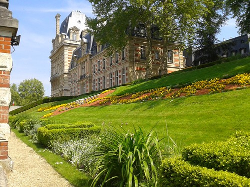 """Gorgeous house in Versailles - Paris France • <a style=""""font-size:0.8em;"""" href=""""http://www.flickr.com/photos/104409572@N02/14271589942/"""" target=""""_blank"""">View on Flickr</a>"""