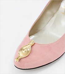 "Mado pumps 4 • <a style=""font-size:0.8em;"" href=""http://www.flickr.com/photos/66379360@N02/9056299080/"" target=""_blank"">View on Flickr</a>"