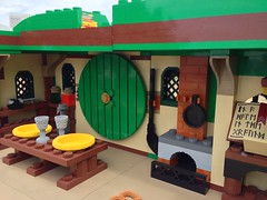 SDCC 2013: LEGO Hobbit hole
