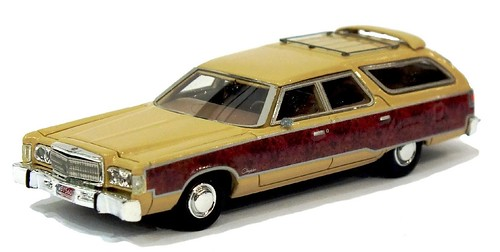 NEO 1-87 Chrysler Town&Contry 74 (2)