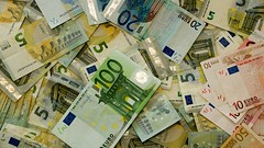 """das Geld, die Geldscheine • <a style=""""font-size:0.8em;"""" href=""""http://www.flickr.com/photos/42554185@N00/19041608742/"""" target=""""_blank"""">View on Flickr</a>"""
