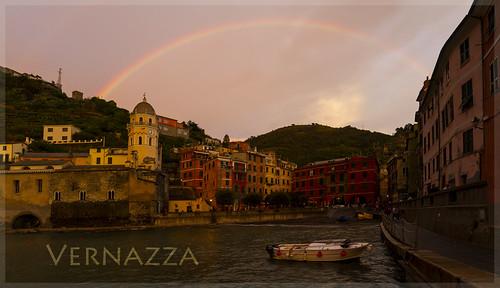 Vernazza mit Regenbogen II