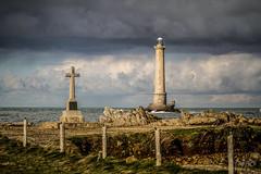 La croix et la lumière